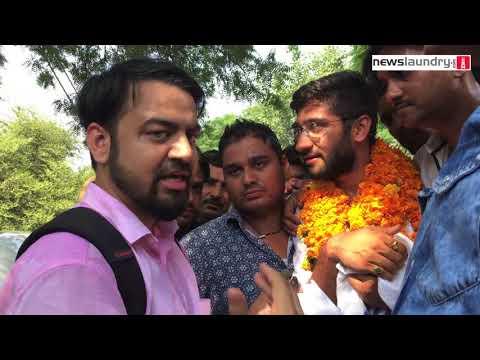 DUSU vice-president Kunal Sehrawat talking to Newslaundry