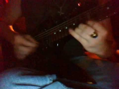Queen of the Damned, Lestat 's 'On The Beach' on Guitar