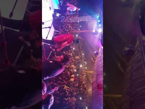 Girls and boys Response in peshawar to khomariyaan musical group