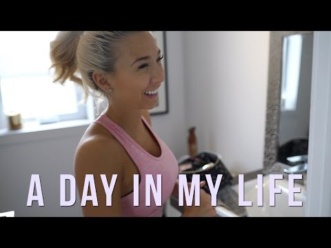 A DAY IN MY LIFE: Cardio, Friends, Food & Workouts