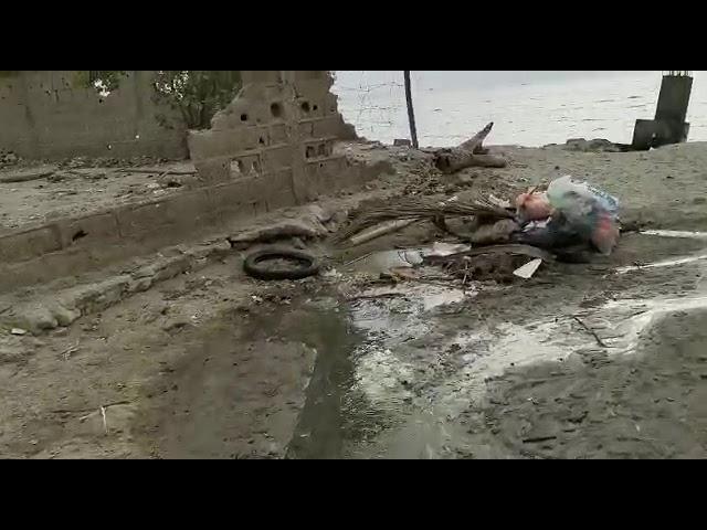Aguas residuales al mar en playa Salguero
