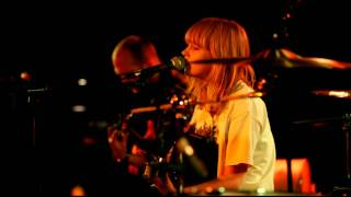 Lucy Rose - Don't You Worry (live at Manchester Ruby Lounge, 20th Oct 2011) - hobbsy.MOV