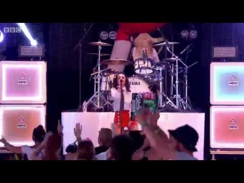Charli XCX - Break The Rules Live Glastonbury 2015