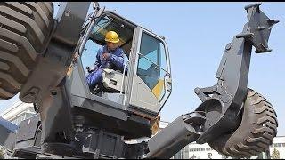 "The Master Operator of XCMG's ""Spiderman"" Walking Excavator"