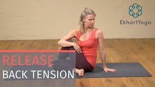 Yoga twists to ręlease tension in the back