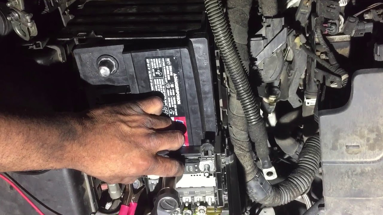 2011 chevy cruse fuse box removal 2011 youtube chevy silverado fuse box removal 2011 chevy cruse [ 1280 x 720 Pixel ]