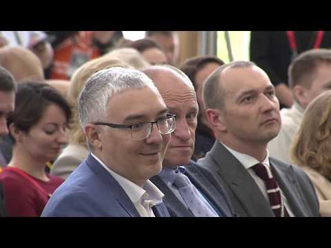 Дмитрий Песков и Александр Аузан. Интерактивный диалог «Большие вызовы – большие ставки»
