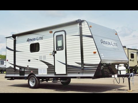 Best Travel Trailers Under 4000 Pounds (Light Towable Trailers)