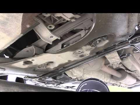 Замена нижней опоры двигателя Рено Меган 2