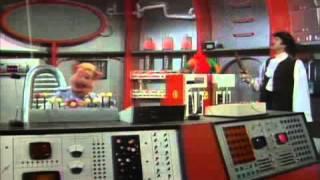 The Muppet Show   s02e12   John Cleese (Full episode)