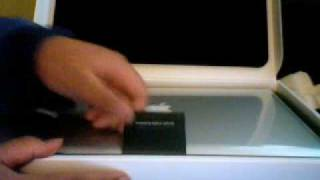 NSG Unboxes Macbook Pro 2008