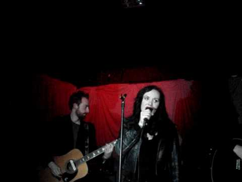 Nemhain - Heroin Child Acoustic (Intro from Laura London) Unicorn 12.12.09