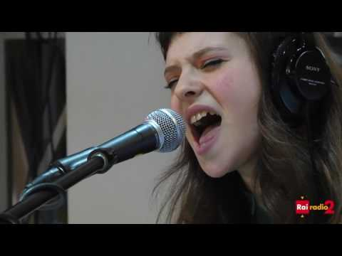 Francesca Michielin - Sola - Radio 2 SuperMax