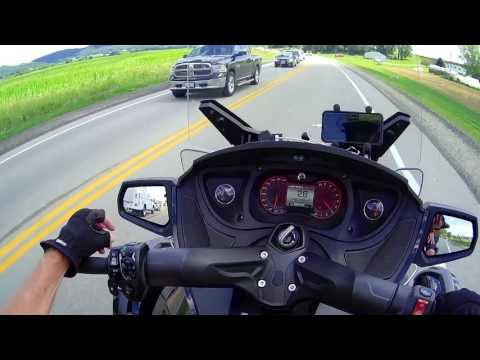Can Am Spyder: Day One - Cranberries & The Driftless Area