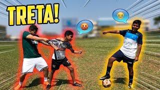 MENINO DE RUA CONTRA O SEU MAIOR RIVAL NO FUTEBOL!! ( mitos )