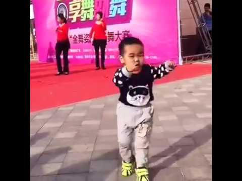 Chinese Kid Dancers Better Than Professional Performers!