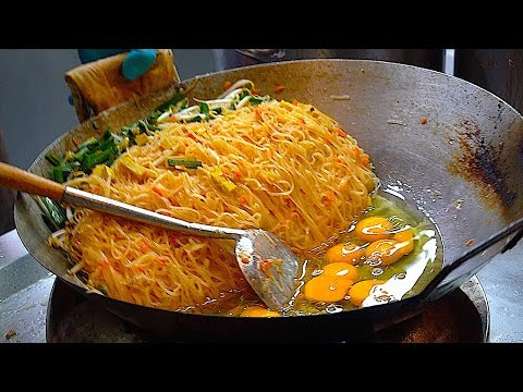 The Best & Most Famous PAD THAI   Bangkok Thailand