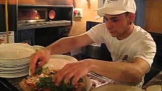 """""""Al Porticciolo"""", Cefalu, приготовление пиццы"""