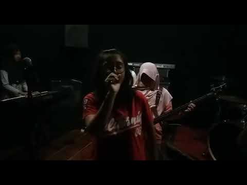 Cover Lagu Beraksi Kotak Band by satuband
