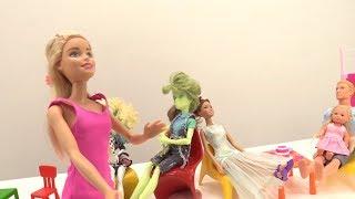 В кафе у Барби и Кена. Мультик и видео про Барби для девочек