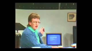 """Hans Otto Bisgaard bruger en Commodore 64 i DR-programmet """"Under Uret"""" #1"""
