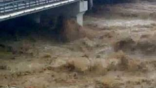 Saudi Flash floods -Amateur Video....deadly Jeddah flood