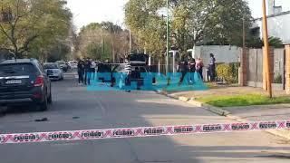 Persecución, tiros y un comisario herido en Gonnet por un intento de robo
