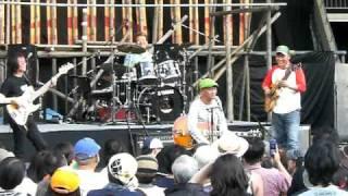 22年春一番の木村充揮BANDの演奏です お馴染みの曲ですね!