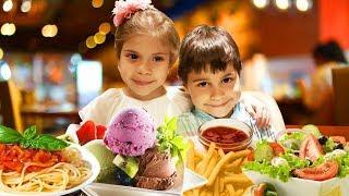 Findik ailesi restoranda yemek yiyor! Çocuk dizisi