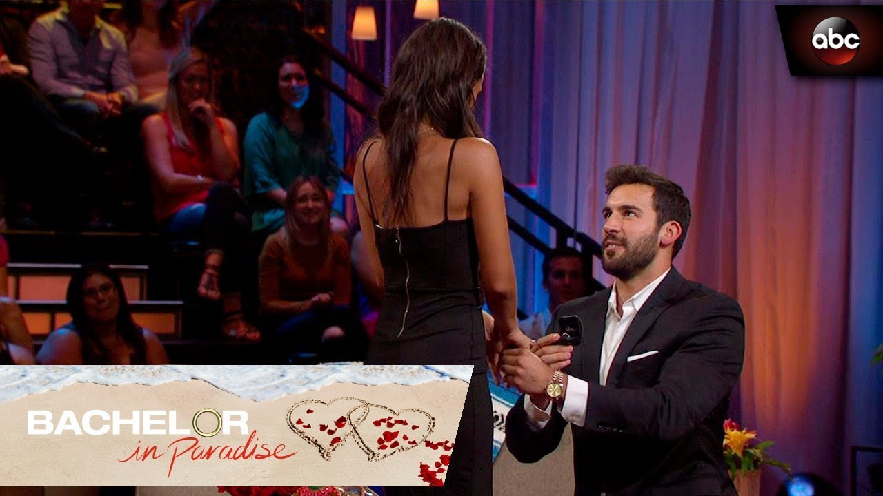 Download Derek Proposes to Taylor - Bachelor In Paradise