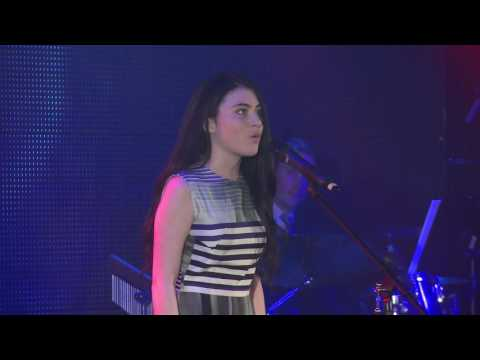 Lilla Crawford -  I Know Things Now