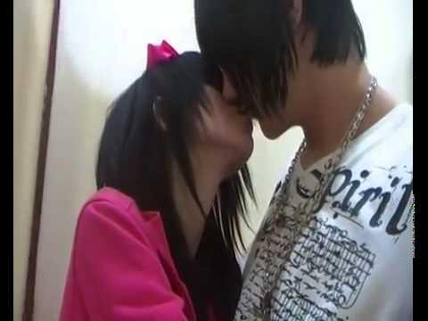 Justin bieber besando chicos