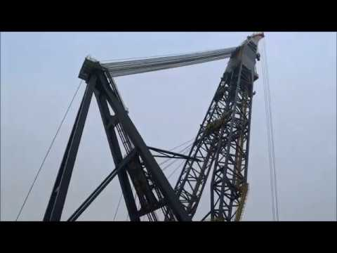 Heerema Thialf . Biggest Crane Vessel in the world.  Starboard crane in action. Fast turning.