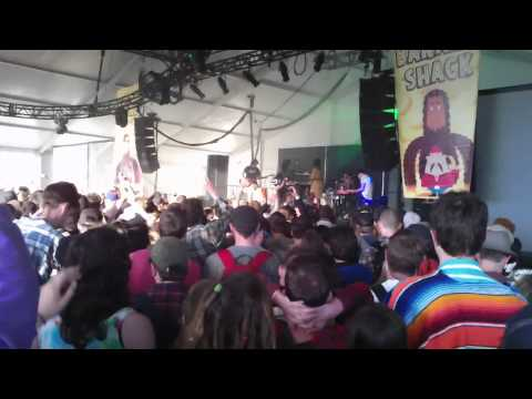 Washed Out - Feel It All Around & Eyes Be Closed (Live @ Sasquatch Music Festival on 05.28.11)