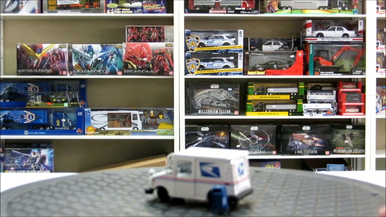acapsule product video usps long life vehicle llv 1 64 diecast model with mailbox [ 1280 x 720 Pixel ]