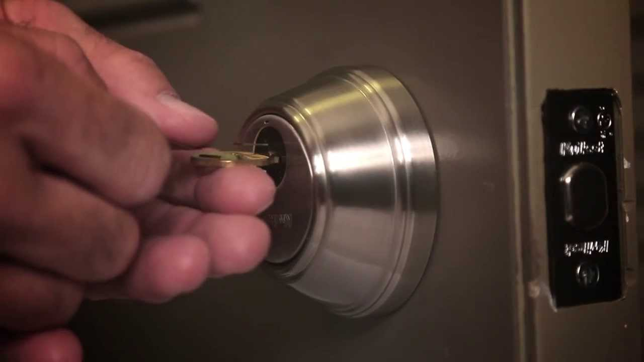 how to re key a key control deadbolt lock kwikset smartkey technology youtube. Black Bedroom Furniture Sets. Home Design Ideas