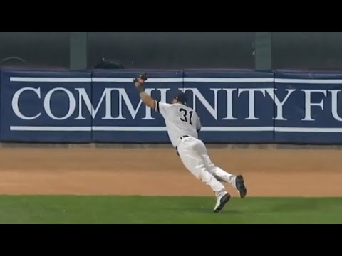 Download Aaron Hicks ends the game on an INSANE catch   Yankees vs Twins July 23rd, 2019
