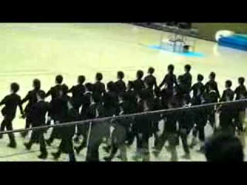 Stunning Japanese synchronized walking routine