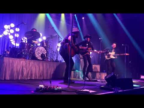 """Nathaniel Rateliff and The Night Sweats – 5/9/18 – """"You Worry Me"""""""