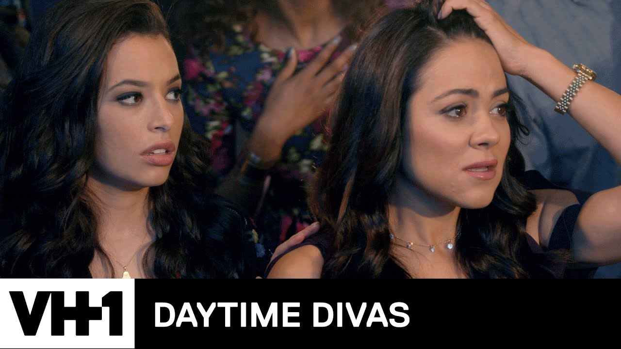 Download Shawn Punches Andrew   Daytime Divas