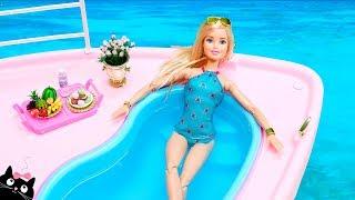 [14.54 MB] Barbie Ken y sus Hermanas se bañan en la Piscina del Barco Crucero - Vacaciones Barbie Cat Juguetes