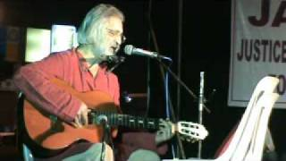 Anand Patwardhan sings Daya Pawar at JAPA-  justice and Peace for All