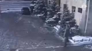 Пьяный саратовец на посту УМВД угрожал полицейскому ножом