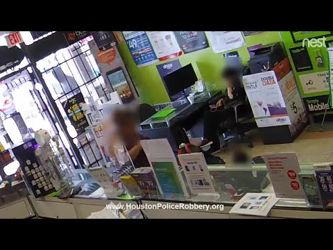 Robbery Suspect Locked Inside Texas Store Prays, Begs To Be Released