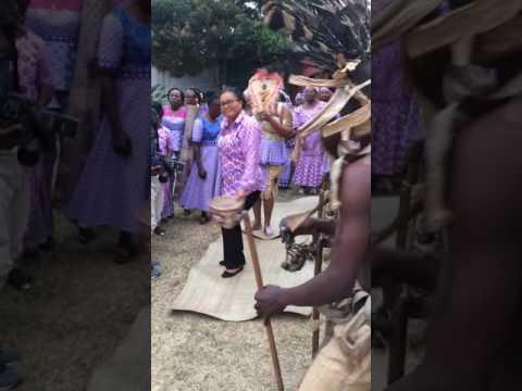 Danse Obamba pendant un mariage au Gabon
