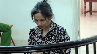 Xót xa cho người mẹ đơn thân với mái tóc đã bạc phải ra tòa khi ra tay với đứa con trai bất hiếu