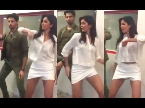 Ner katrina kaif with out uniform sexi pic shows hairy pussy