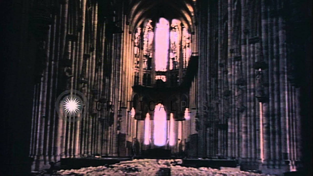 Cologne cathedral in cologne in germany during world war 2 for Koln ww2