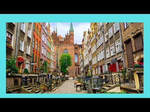 EXPLORING GDANSK: Beautiful and historic Mariacka Street (Poland)