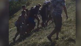 Уголовное дело завели в Геленджике после падения экскурсионного автомобиля с туристами в овраг